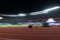 【アジアパラ大会・陸上】男子800メートル(車いすT52)で優勝した佐藤友祈=インドネシア・ジャカルタで2018年10月8日、久保玲撮影