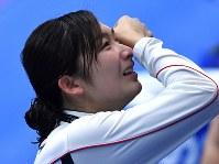 アジア大会。競泳女子50メートル自由形の優勝で6冠を達成し、涙を流す池江璃花子=ジャカルタで2018年8月24日、宮間俊樹撮影