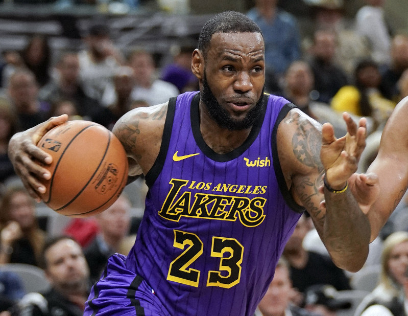 16ec1ab7157 He promised  LeBron James is the AP s male athlete of 2018 - The ...