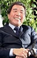 芦田淳さん(ファッションデザイナー)=2006年、山本晋撮影