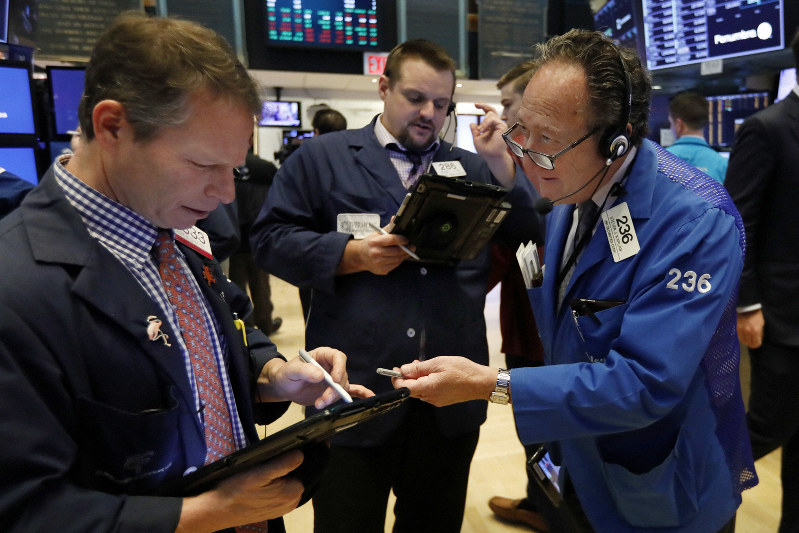 Wall St roars back to life in best session in 9 years
