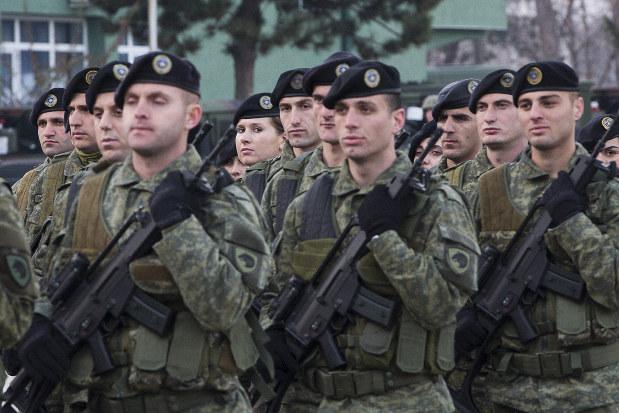 コソボ軍」創立にセルビア、ロシ...