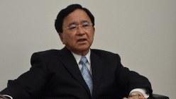 経済同友会の小林喜光代表幹事=東京都千代田区 で2018年4月26日、横山三加子撮影