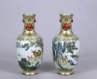 粉彩松鹿図瓶 京都国立博物館