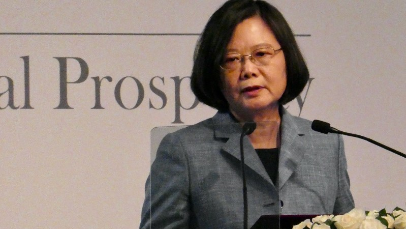 講演する蔡英文総統=台北市内で2018年10月、米村耕一撮影