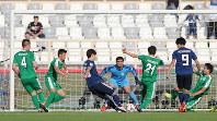 アジア杯【日本・トルクメニスタン】後半、日本FW大迫が同点ゴールを決める=UAEのアブダビで2019年1月9日、ロイター