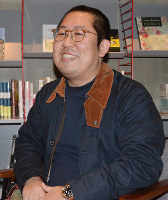 「聖地巡礼」について語る奈良県立大の岡本健准教授=大津市内で、礒野健一撮影