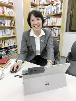 北朝鮮の庶民のたくましさについて語る文聖姫さん=東京都千代田区で、鈴木琢磨撮影