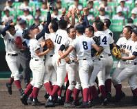 第90回大会・大阪桐蔭=2018年4月4日、山崎一輝撮影