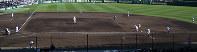 【膳所0-10日本航空石川】データ分析専門の部員を置く膳所。八回裏無死一塁、打者・小板の時に三塁手が三遊間に、遊撃手が二塁ベース後方へ。データに基づいた守備シフトを見せた=阪神甲子園球場で2018年3月24日、久保玲撮影