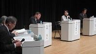 札幌市で開かれた憲法の討論会=12日、竹内幹撮影