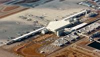 中部空港=本社ヘリから2006年12月、小林努撮影