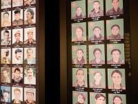 殺された女性兵士たち=イラク北部クルド人自治区スレイマニア市のアムナ・スラーカ博物館で、西谷文和さん撮影