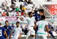 アジア杯決勝トーナメント【日本・サウジアラビア】日本のCKで、冨安が高い打点からヘディングでゴールを奪い先制=UAEのシャルジャで2019年1月21日、ロイター