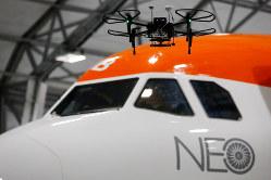 ドローンと航空機との接触は大惨事につながりかねない Bloomberg