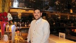 ブラジル料理店「カミナルア」のオーナーシェフ、瀬間仲ノルベルトさん