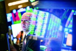 自社株買いとM&Aがブームの支え(Bloomberg)