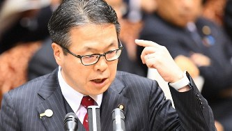 世耕弘成経産相=国会内で2017年3月1日、川田雅浩撮影
