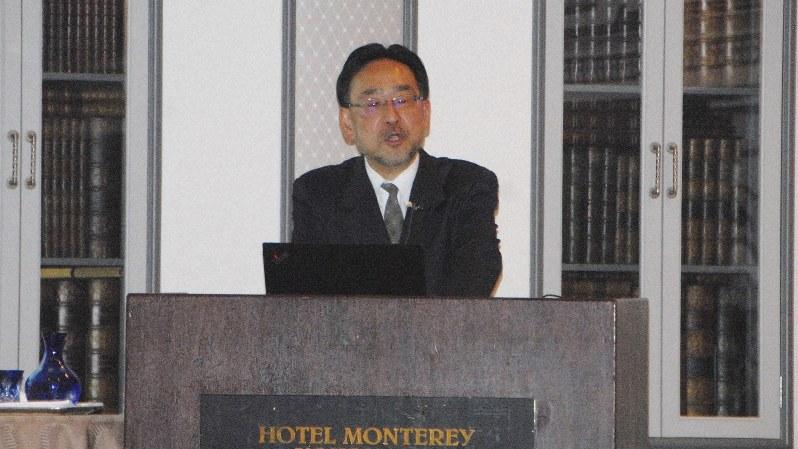 講演する藻谷浩介さん=横浜市中区のホテルモントレ横浜で2019年1月31日