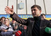 ウクライナ大統領選で注目を集めるコメディアンのジェレンスキー候補=首都キエフで2019年1月25日、ロイター