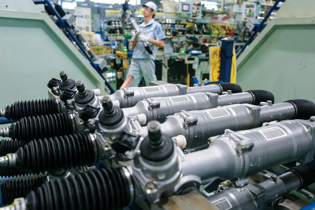 日本産を証明する「原産地証明書」の作成に自動車部品メーカーなどの負担が増えそうだ(Bloomberg)