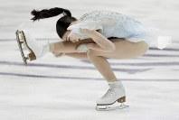 【フィギュア4大陸選手権女子SP】5位発進と出遅れた紀平梨花(日本)の演技=米カリフォルニア州アナハイムで2019年2月7日、AP