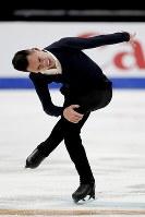 【フィギュア4大陸選手権男子SP】ナム・グエン(カナダ)の演技=米カリフォルニア州アナハイムで2019年2月7日、AP