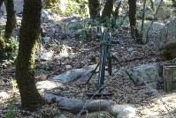 ヒズボラ戦闘員がイスラエル戦で使用した迫撃砲=レバノン南部ムリータで2018年11月19日、篠田航一撮影