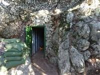 ヒズボラ戦闘員が対イスラエル戦で使用した山岳地帯のトンネルも保存されている=レバノン南部ムリータで2018年11月19日、篠田航一撮影