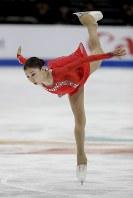 【フィギュア4大陸選手権】演技を終え、感極まって顔を手で覆う三原舞依(日本)=米カリフォルニア州アナハイムで2019年2月8日、AP