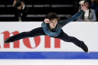 Shoma Uno, of Japan, performs during the men's free skate competition at the Four Continents Figure Skating Championships on Saturday, Feb. 9, 2019, in Anaheim, Calif. (AP Photo/Chris Carlson)