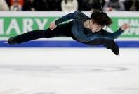 【フィギュア4大陸選手権】男子フリーで圧倒的な演技を見せ逆転優勝した宇野昌磨(日本)=米カリフォルニア州アナハイムで2019年2月9日、AP