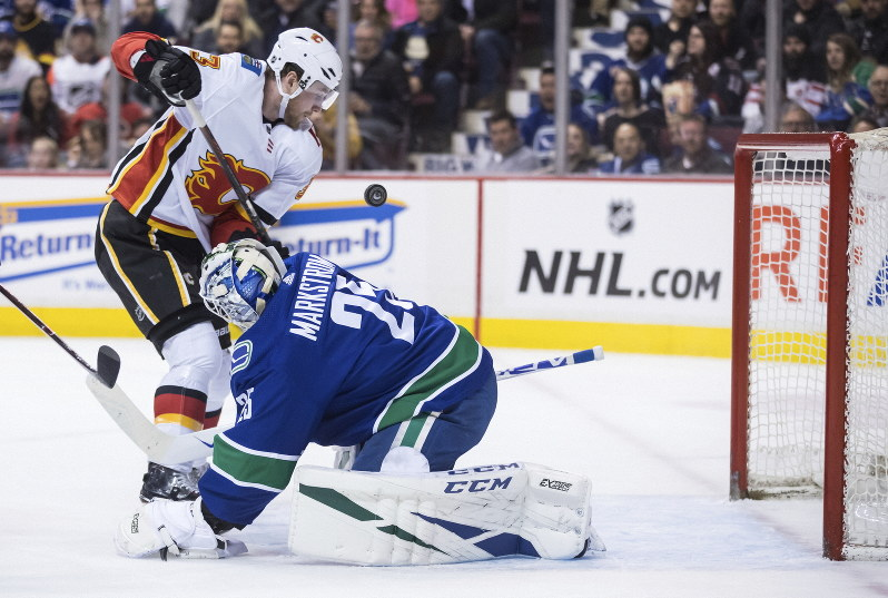 Nhl Pettersson Scores In Shootout Canucks Best Flames 4 3 The
