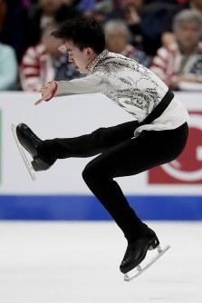 【フィギュア4大陸選手権】男子フリーで3位のビンセント・ゾウ(米国)の演技=米カリフォルニア州アナハイムで2019年2月9日、AP
