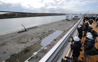 The construction site for the Sea Forest Waterway for the 2020 Tokyo Olympics canoe sprint and rowing events is opened to members of the press in Tokyo's Koto Ward on Feb. 12, 2019. (Mainichi/Yuki Miyatake)