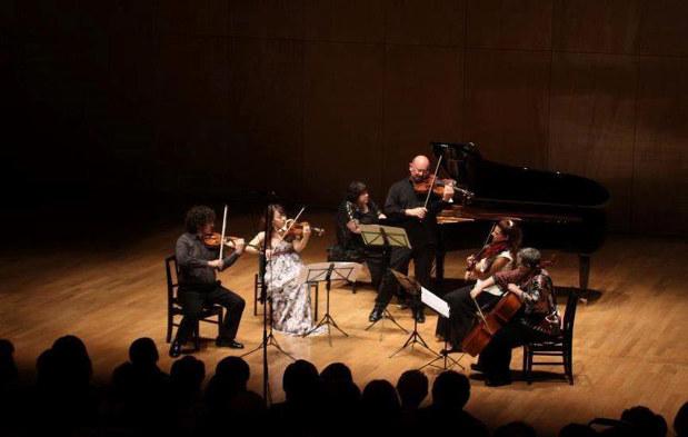 「音楽は時代や国境や言葉の壁超える」。スペインの曲を、日・独・仏・米・トルコの演奏家が共演する室内楽の真骨頂。多喜さんが支援して2012年から4年間、埼玉県秩父市で開催した「ちちぶ国際音楽祭」の1コマ 多喜靖美さん提供