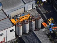 転落事故があった現場=大阪府和泉市で2019年2月13日午前11時58分、本社ヘリから山田尚弘撮影