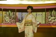 「歴史秘話ヒストリア」の司会を務める渡辺佐和子アナウンサー=東京・渋谷のNHK放送センターで2019年2月13日、屋代尚則撮影