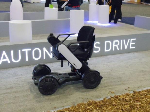 WHILLの電動車椅子は現在、蘭スキポール空港や英ヒースロー空港などでの実用化に向けた協議を行っている(筆者提供)