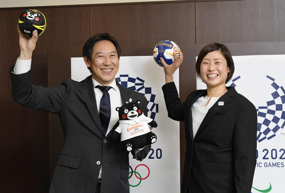 ハンドボールの競技力向上への期待などを語るスポーツ庁の鈴木大地長官=根岸基弘撮影