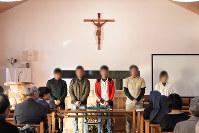 郡山教会で技能実習の経験を語る外国人たち=福島県郡山市で2018年11月17日、丹治重人撮影 *画像の一部を加工しています。