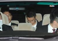 警視庁に移送される朴鐘顕被告=東京都千代田区で2017年1月10日、長谷川直亮撮影