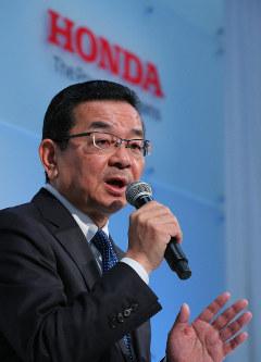 Honda Motor Co. President and CEO Takahiro Hachigo speaks at a press conference in Tokyo's Minato Ward, on Feb. 19, 2019. (Mainichi/Naoaki Hasegawa)