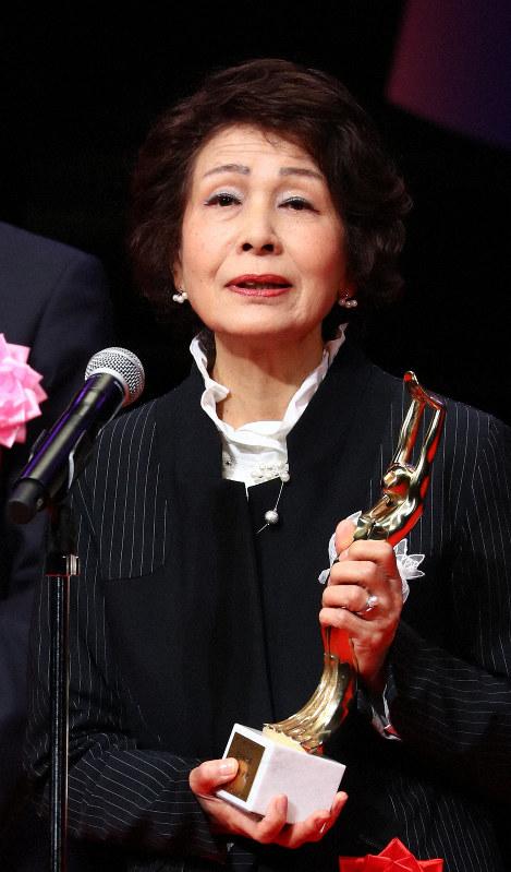 第73回毎日映画コンクールの表彰式で田中絹代賞を受賞し、これまでの女優人生を語る白川和子さん=川崎市川崎区のカルッツかわさきで2019年2月14日、佐々木順一撮影
