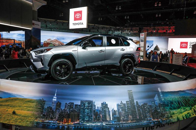 トヨタ自動車のSUV、新型「RAV-4」=ロサンゼルスで(Bloomberg)