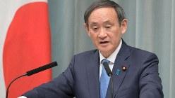 記者会見で質問に答える菅義偉官房長官=首相官邸で2019年1月25日、川田雅浩撮影