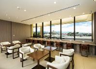 日本航空が開設したホノルル空港の新しいラウンジ=日本航空提供
