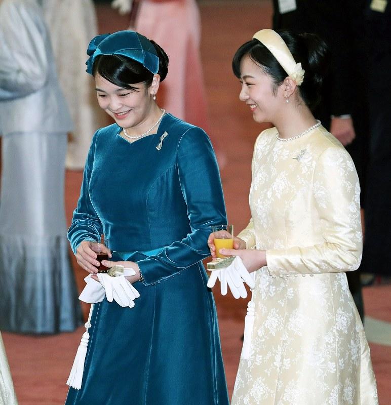 浅田真央さん、王貞治さんら招待 即位30年記念の宮中茶会[写真
