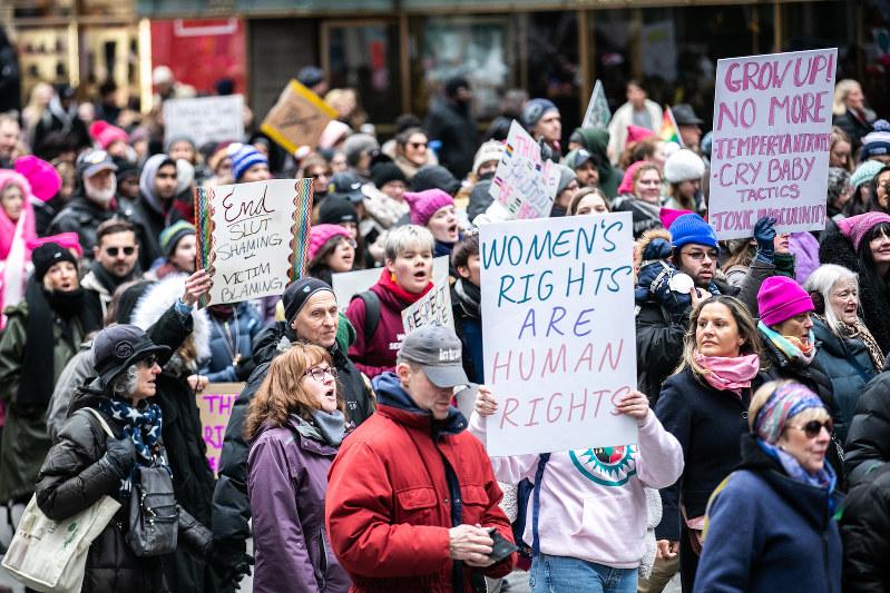 トランプ大統領の女性蔑視発言に対して始まった「ウィメンズ・マーチ」は今年も1月に実施(Bloomberg)