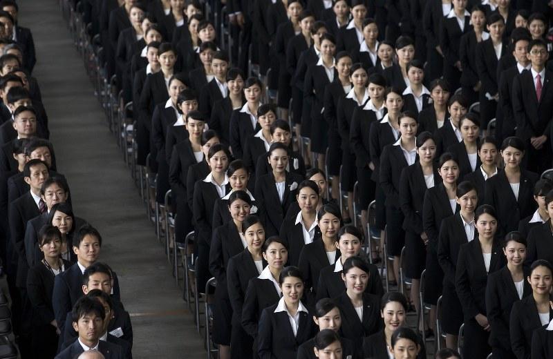 女性が働き続けられる環境を整えることが求められる(Bloomberg)